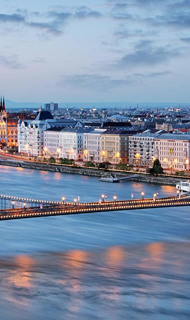 8-daagse busreis of 6-daagse vliegreis Kerst in sprookjesachtig Budapest